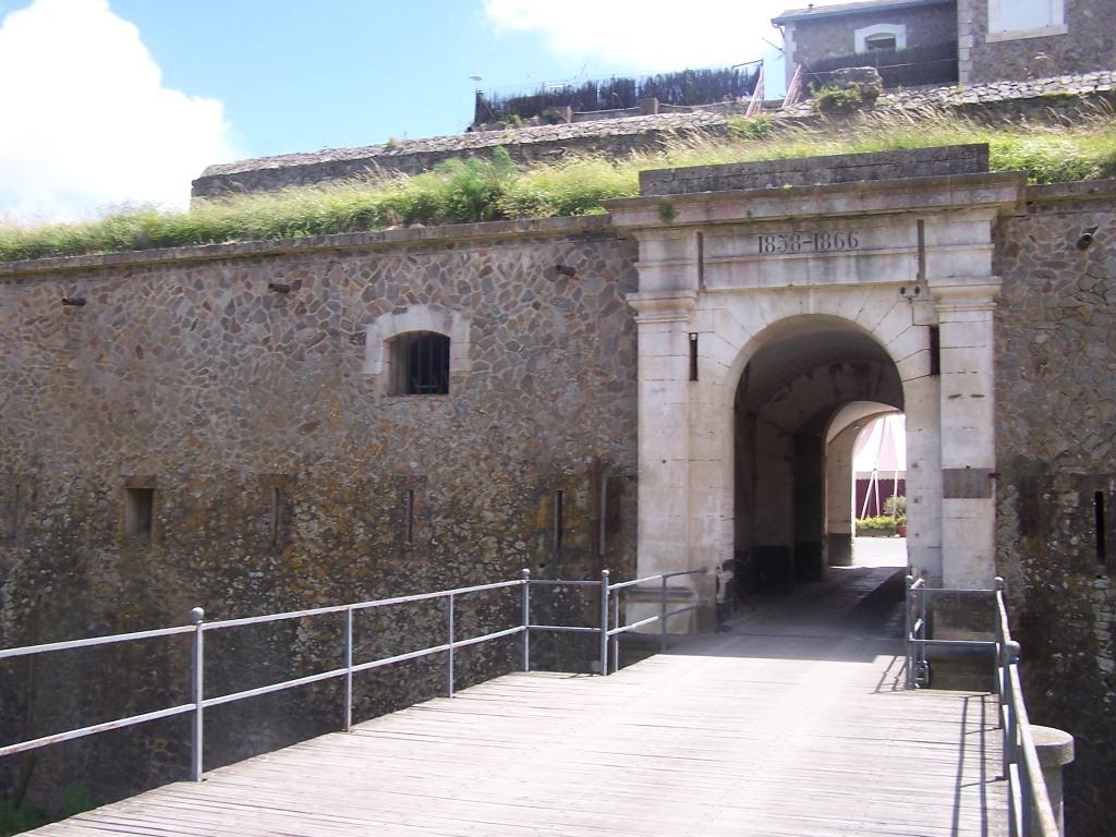 fort de la pierre levée - tourisme vendée, vacances île d'yeu