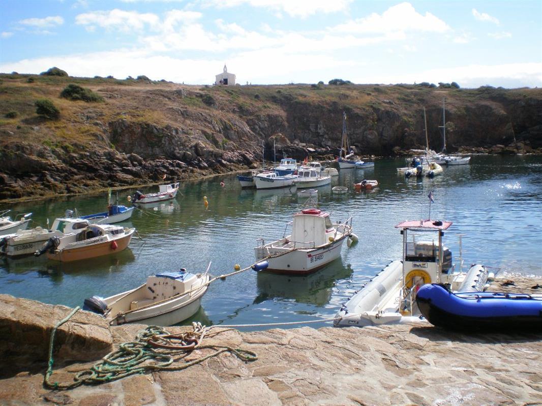 Les sites naturels tourisme vend e vacances le d 39 yeu - Restaurant port de la meule ile d yeu ...